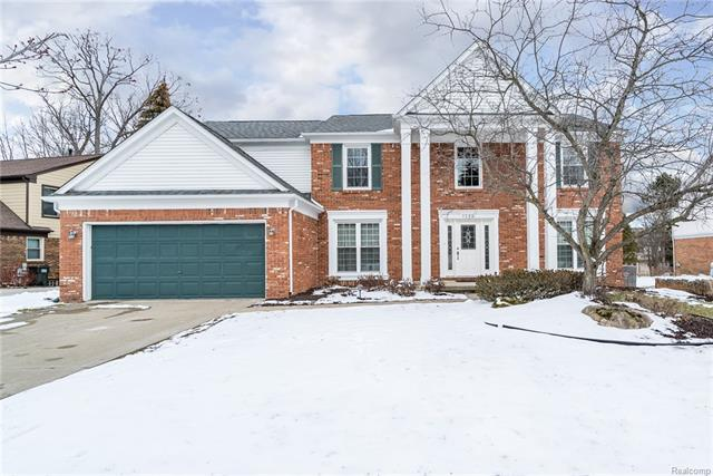 Come home to a wonderful colonial nestled in the northwest corner of Rochester Hills. So many updates in this stately colonial in desirable Georgetown.